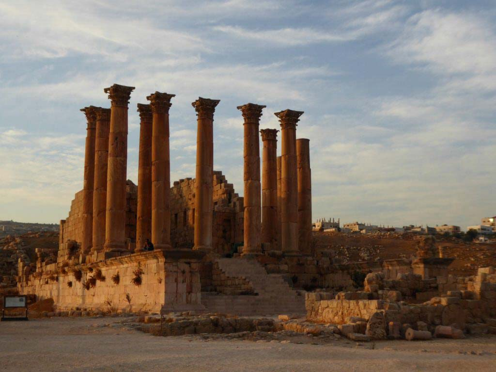 Jerash, Jordan, beautiful Roman ruins, favourite city in Jordan, temple of Artemis