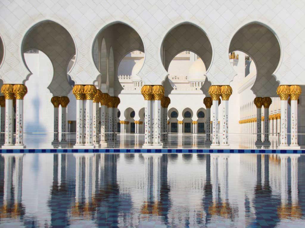 Sheik Zayed Mosque Abu Dhabi, Reflection in water
